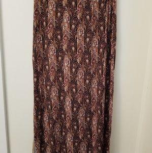 American Eagle Large Maxi Skirt       N41